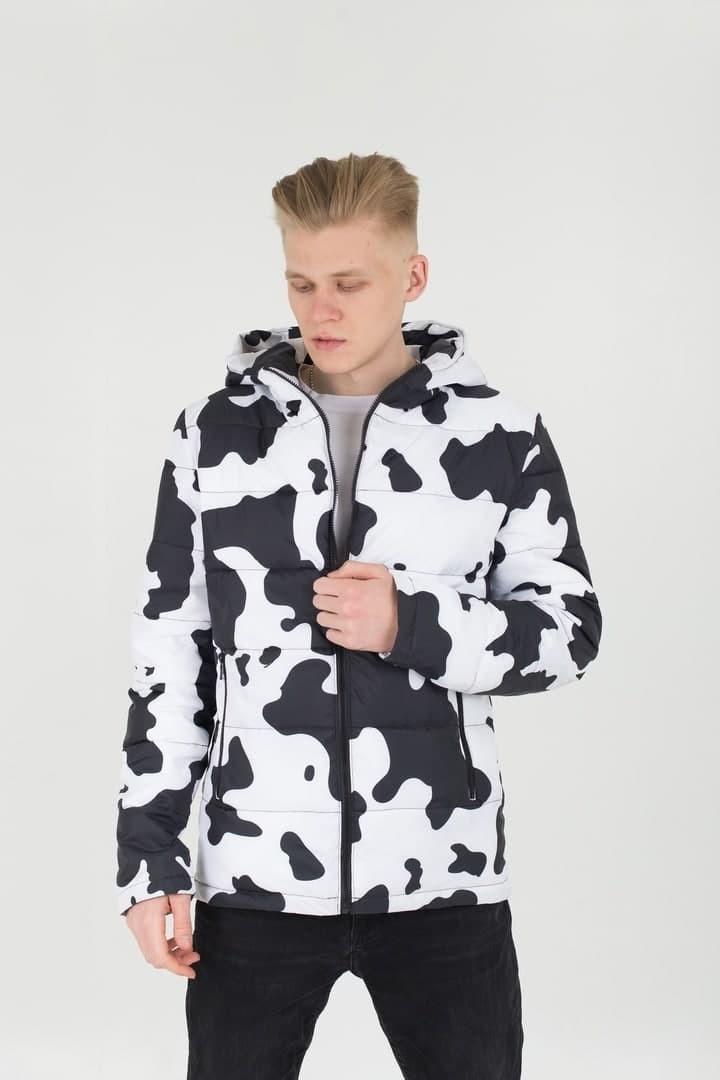 Мужская демисезонная стеганая куртка с принтом Milk черно-белая Vidlik
