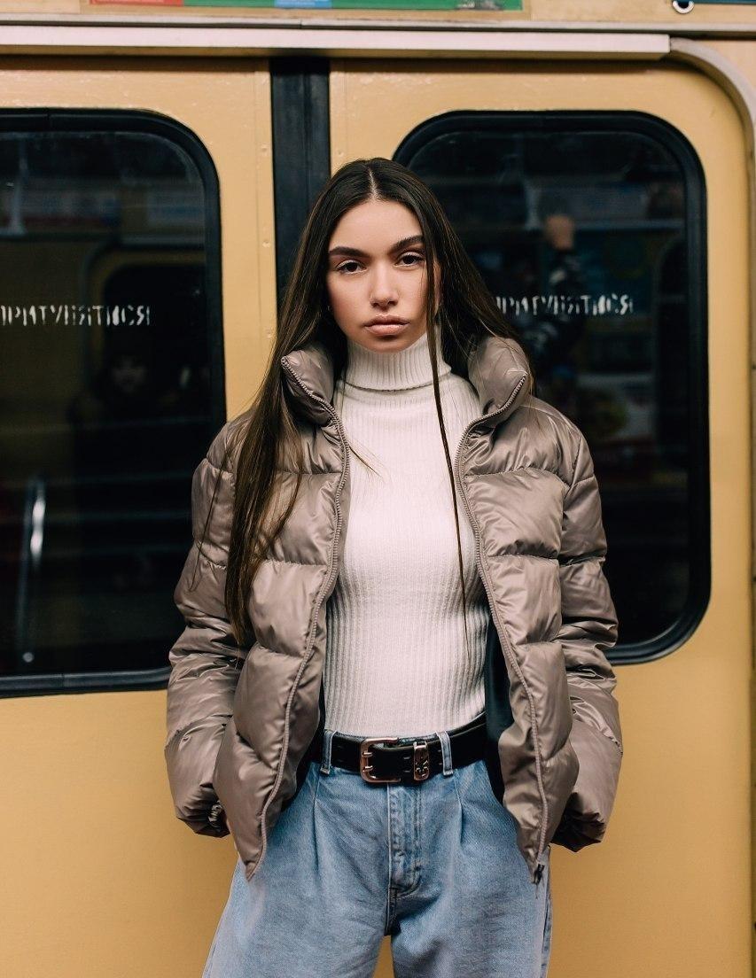 Женская короткая куртка демисезоннаяV-1 капучино Vidlik
