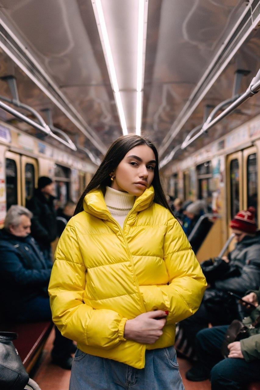 Женская короткая куртка демисезонная 1 желтая Vidlik